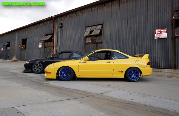 Integra Type R with blue rims
